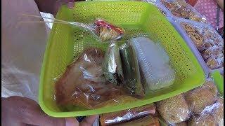 Indonesia Madura Street Food 3095 Part.1 Bubur Menthu Sosis Kue-kue Pamekasan YDXJ0334