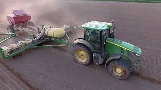 Planting Corn 2018    Aerial Views    HvW Custom    John Deere 7215R & 1770NT (Long Version)