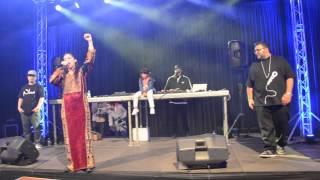 Shadia Mansour - Kollon 3endon Dababaat live (Pilsen, Czech republic)
