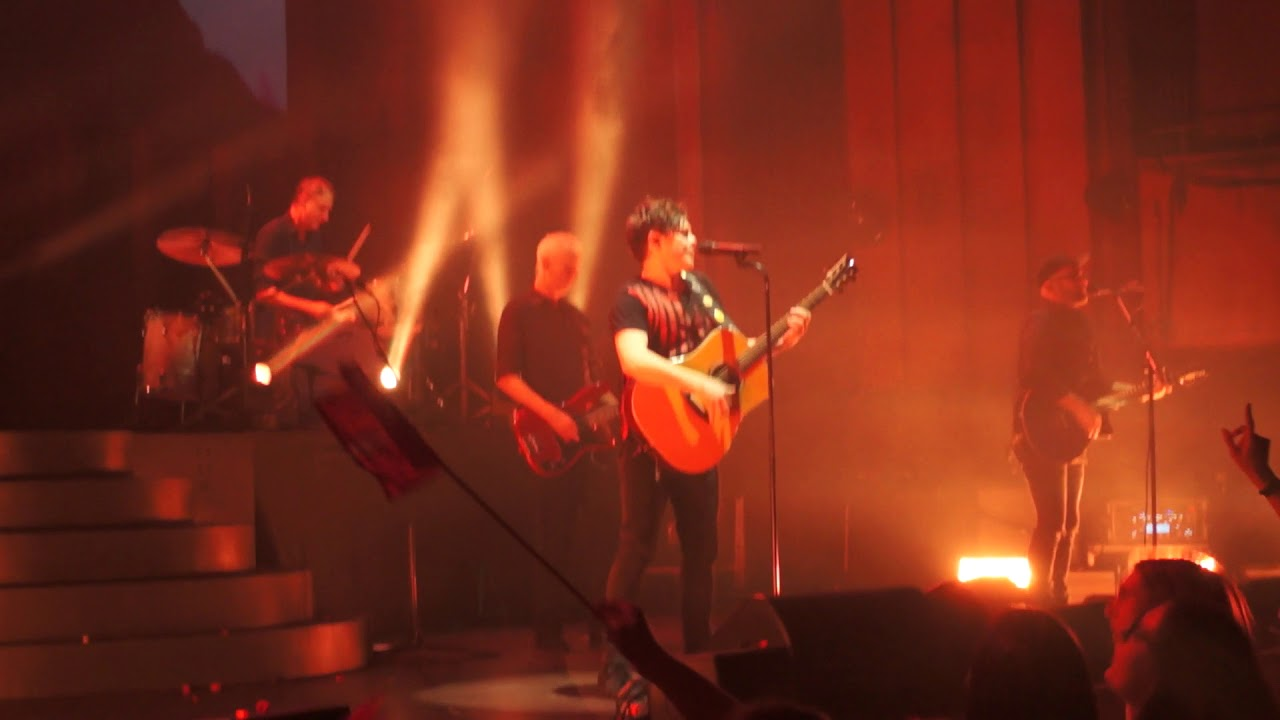 Michael Patrick Kelly Live