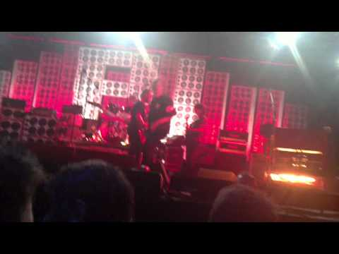 Pearl Jam Even Flow Live In Berlino 04 07 2012 - YouTube