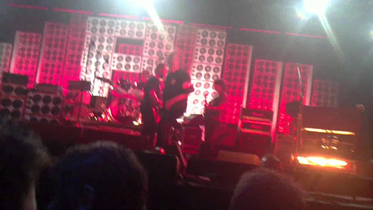 Pearl Jam Even Flow Live In Berlino 04 07 2012 - YouTube