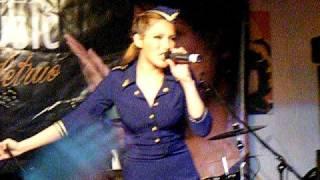 Vanessa Petruo - A Reason (live in Aschaffenburg)