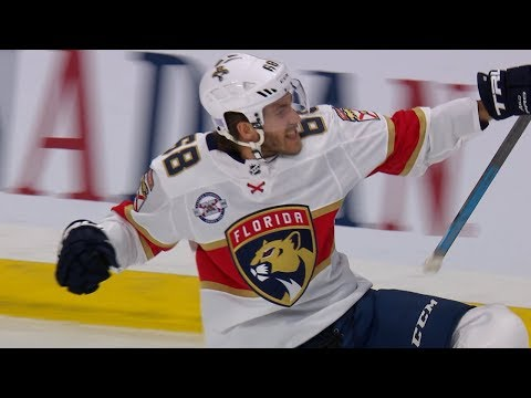 Mike Hoffman scores to extend his point streak