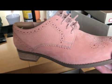 Распродажа в обувном CLARKS