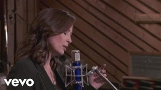 Watch Linda Eder Whats Never Been Done Before video