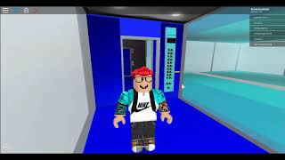 This elevator broke lol (ROBLOX)