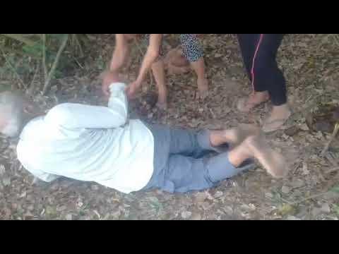VIDEO: Ataron de pies y manos a abuelito y lo tiraron al monte