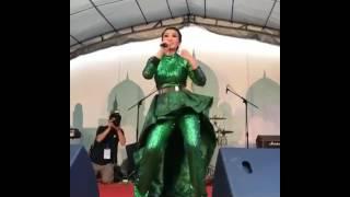 Video FITRI CARLINA KONSER TAIWAN MIX SONG GALAU,SAKITNYA TUH DISINI,YANK download MP3, 3GP, MP4, WEBM, AVI, FLV Agustus 2017