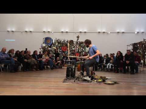Julian Sartorius live at Museum Tinguely Basel (La zone de silence | carnet filmé alain walther)