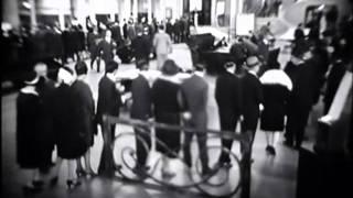 Yvette Guilbert dans 'L'Argent' de Marcel L'Herbier, 1928.