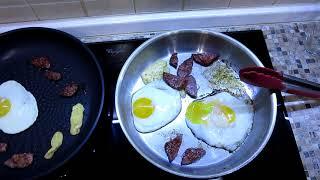 Сравнение двух сковородок. С тефлоновым покрытием и без.