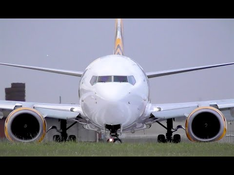 HEAD-ON TigerAir Australia 737 Takeoff from Melbourne Airport