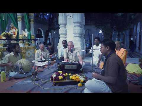 Hare Krishna Kirtan by HG Nrsinghanand Prabhu @ ISKCON Juhu