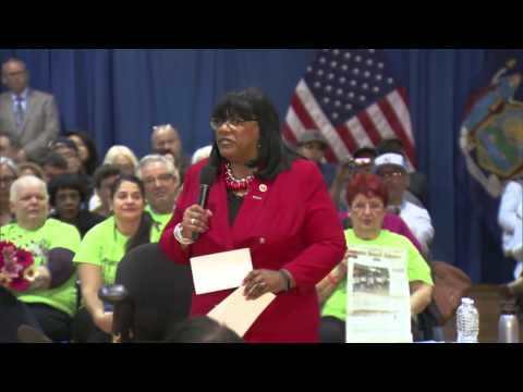 Mayor de Blasio Hosts Staten Island Town Hall