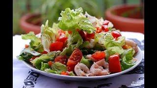 Овощной салат с жаренными креветками!