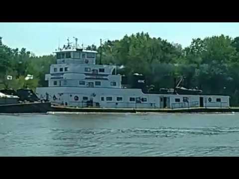 Tug Boat On The Illinois River Morris, IL