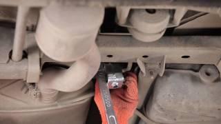 Oglejte si kako rešiti težavo z Gumijasti trakovi, izpusna naprava: video vodič