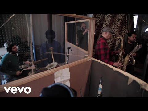 Sharon Jones & the Dap-Kings - Sail On!