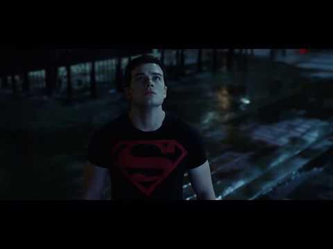 Superboy Salva Robin - Titans 2x06(HD)