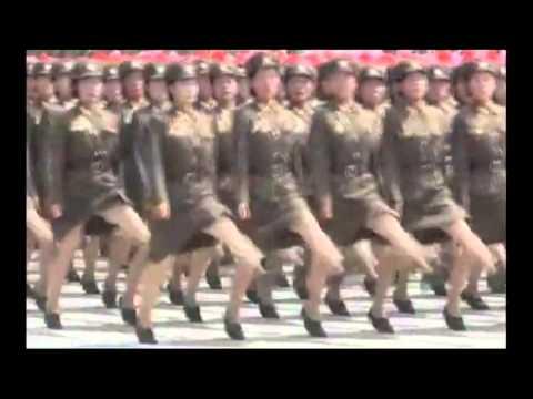 Corea del Nord , Parata militare per festeggiare i 60 anni della rivoluzione.