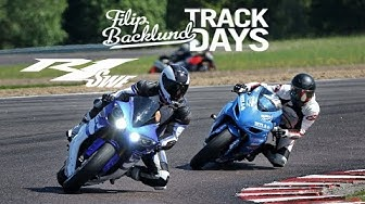 Beginner vs Superbike rider at trackday *mindblown*