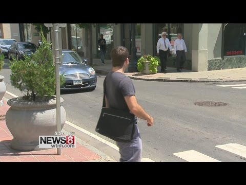 Drivers rewarded for stopping for pedestrians in New Haven crosswalk, warned for not