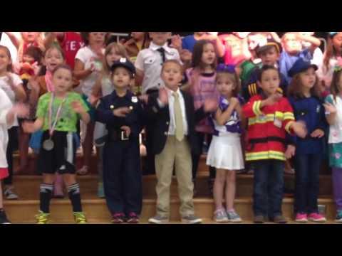 Kinder graduation - lollipop song