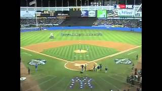2001 WS Gm4 Lee Greenwood sings God Bless the USA Low