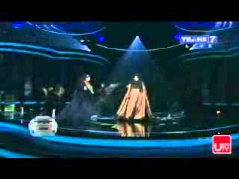 Umi Pipik feat Melly Goeslaw _Kerinduaan
