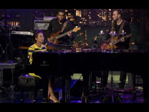 radiohead-(creep-karma)-&-alicia-keys-(new-york,-common)-honor-george-michael