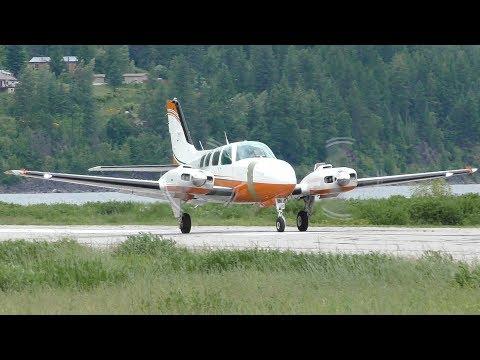 Beechcraft 58 Baron Takeoff