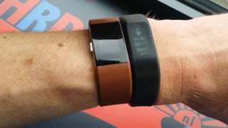 Garmin Vivosmart 3 vs Fitbit Charge HR Comparison Review