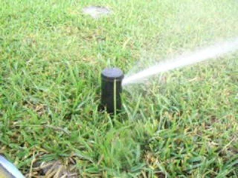 Sistema de riego por aspersion http ricardomogollon for Aspersores para riego de jardin