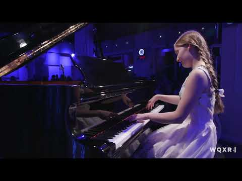 """Alma Deutscher performs her composition """"I think of you"""""""