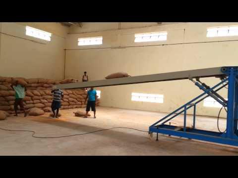 Warehouse Loading & Unloading Conveyor