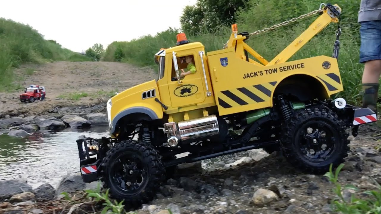 Bruder Toys Tow Truck Rc 4x4 River Rescue Action