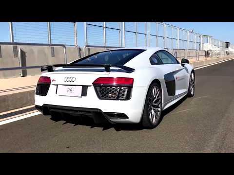Escute o ronco do Audi R8 na pista/ Vrum Brasília