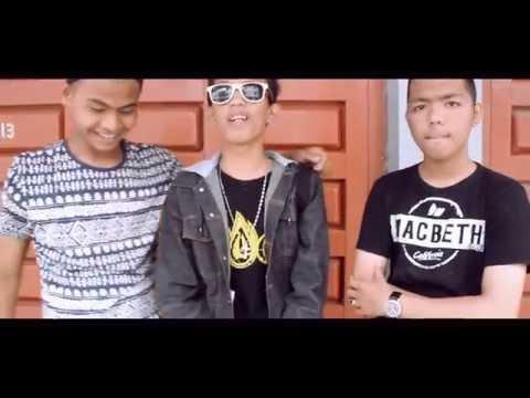 Salam 3 Jari (Untuk Indonesia) By Dedek Madzu feat MIZY & Ilal Hadity