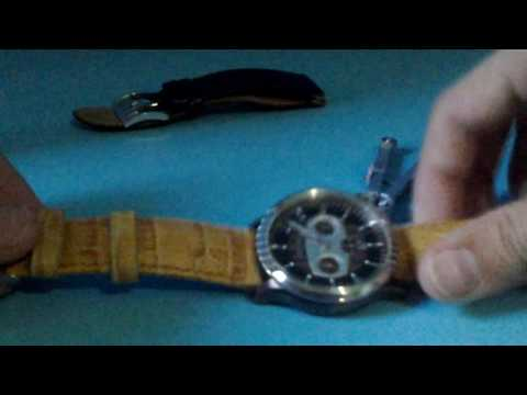 Changing strap Fossil watch