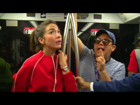 Gabi y Kenny en el Metro de Santo Domingo