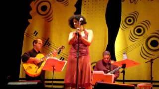 Baixar Sanny Alves canta Pra dizer adeus no Festival A Influência do Jazz.