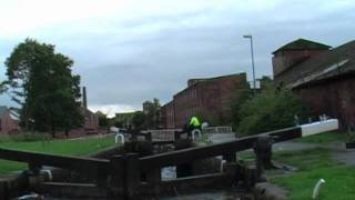 Trying to open Lock 49 on the Rochdale Canal.mov