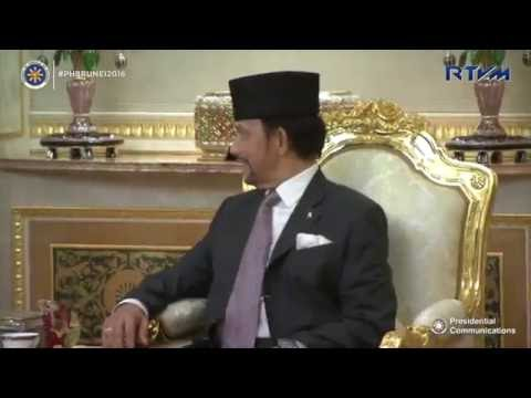APEC 2015: Arrival of Sultan Hassanal Bolkiah, Bruneiиз YouTube · Длительность: 3 мин31 с