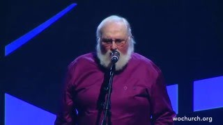 "Charlie Daniels singing ""He's Alive"" with the WOWorship Team"