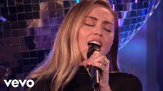 Gambar cover Mark Ronson - Nothing Breaks Like A Heart in the Live Lounge ft. Miley Cyrus