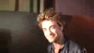 Бухой Роберт Паттинсон - drunk Robert Pattinson
