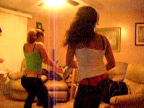 Guy grinding on girl at party — photo 11