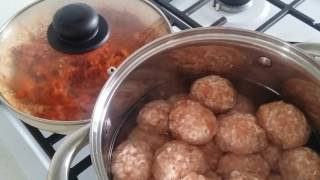 Тефтели с рисом в томатном соусе/очень вкусно и быстро/