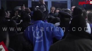 بالفيديو: ضابط شرطة يعتدي على «ميدو» بعد مباراة سموحة